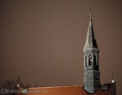 Колокольня готического костела