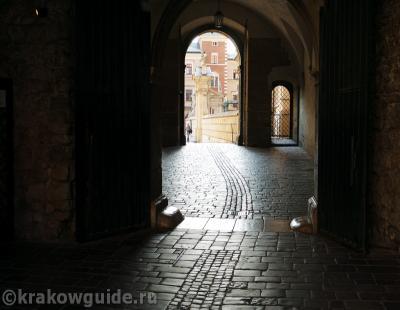 Вавель - Ворота во внутренний двор