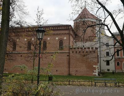 Крепостная стена, Башня плотников